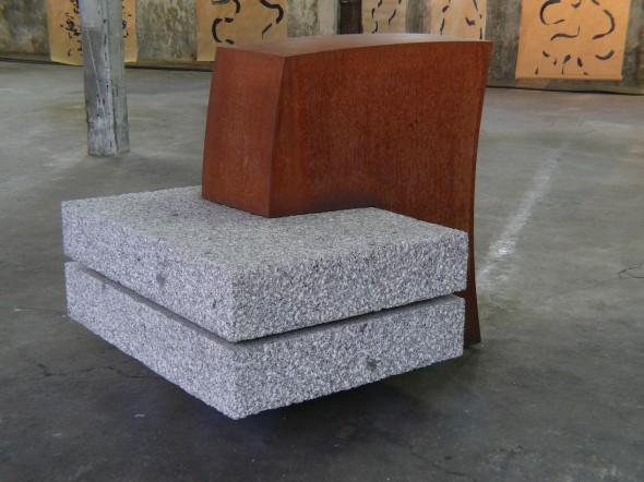 Zwei und Eins Granit, Stahl, 124 124 148 cm, 2003