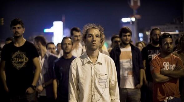 Erdem Gündüz  The Standing Man vom Taksim-Platz während der Gezi-Park Prosteste 18.06.2013 by Italo Roninella